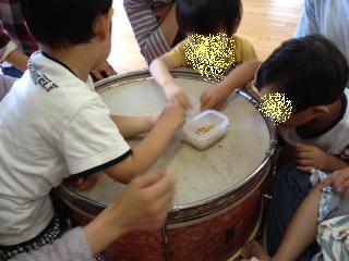 音楽療法太鼓3.jpg